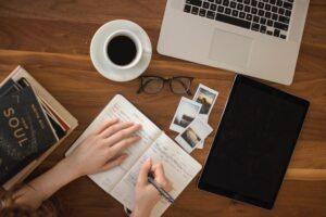 blog writer travel industry